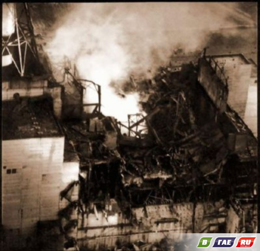 photo essay on chernobyl This year marks the 25th anniversary of the chernobyl nuclear disaster at 1:23am on april 26th, 1986, operators in the control room of reactor #4 botched a routine safety test, resulting in an explosion, and a fire that burned for 10 days the radioactive fallout spread over tens of thousands of.