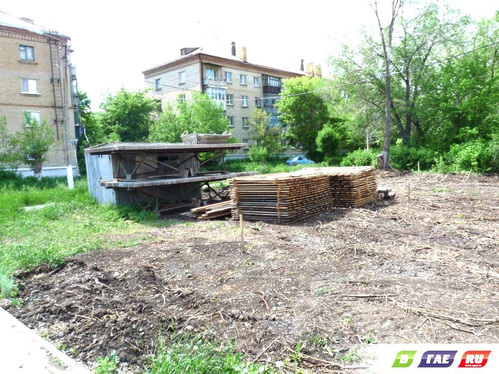 """Что строят возле магазина """"Спутник""""?"""