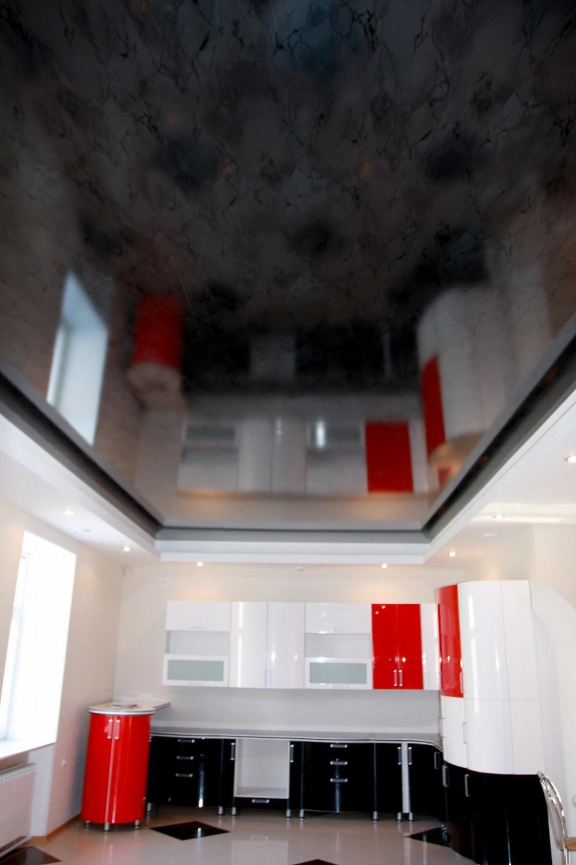 Натяжной потолок в зал за 3800 руб. (16+)