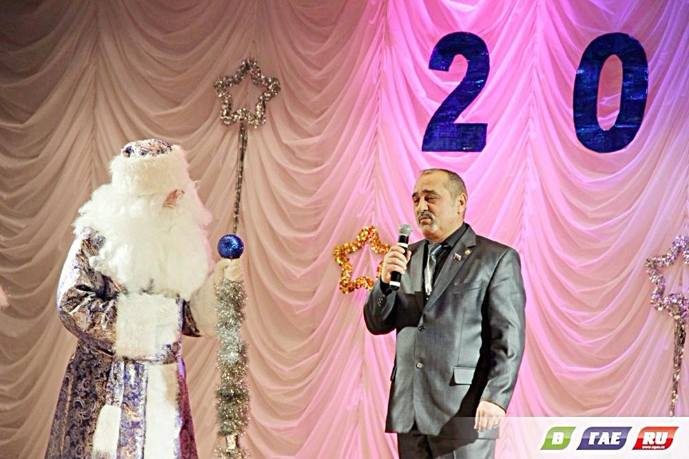 всего фото с елки мэра соликамске свечей