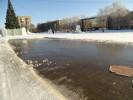Ледяная горка превратилась в водный аттракцион