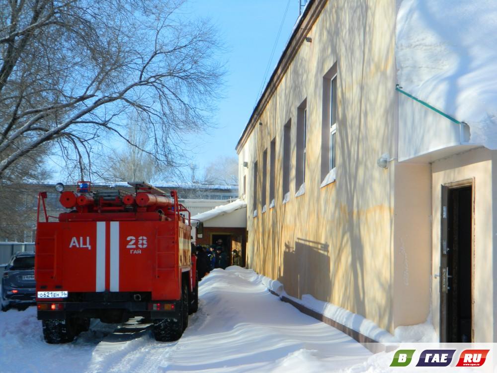 muzh-i-zhena-v-saune-moya-analnaya-podruzhka-video
