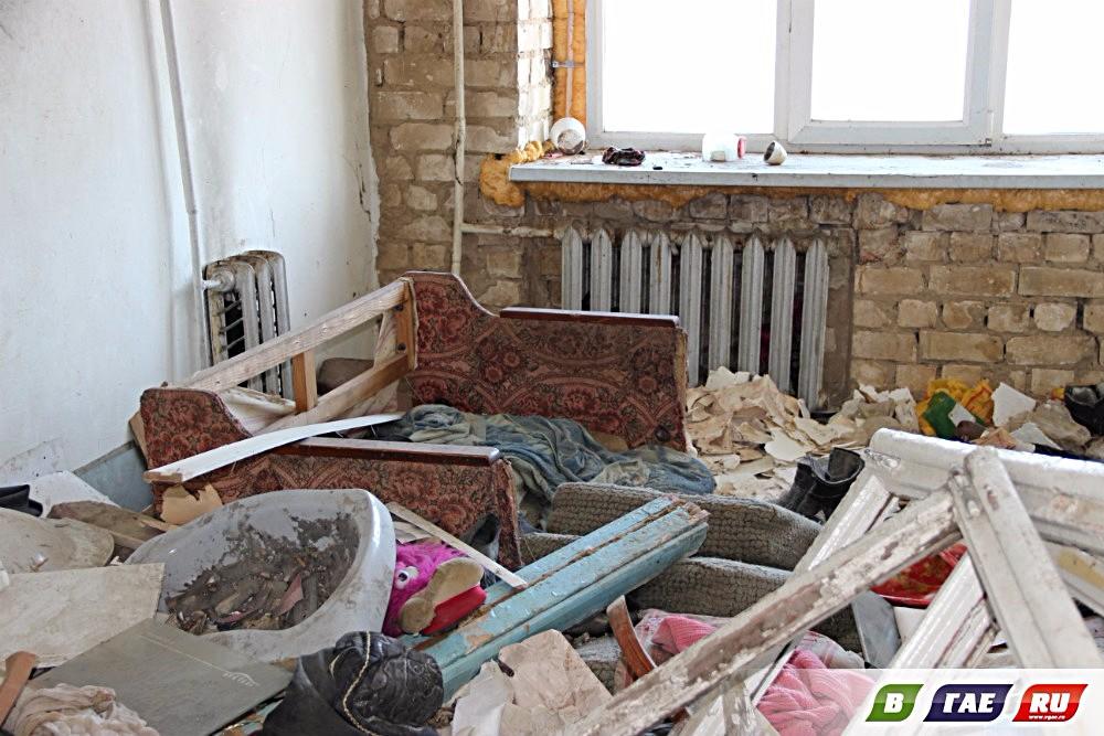 Экскурсия по дому, в котором случилась беда