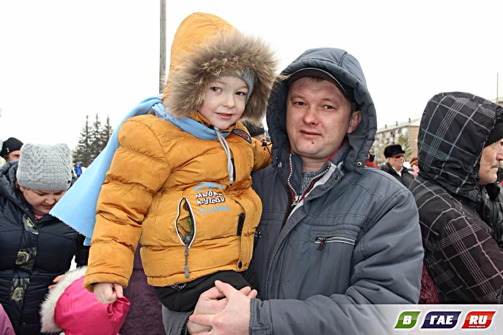 Зиму проводили, встретили Весну! Репортаж с площади