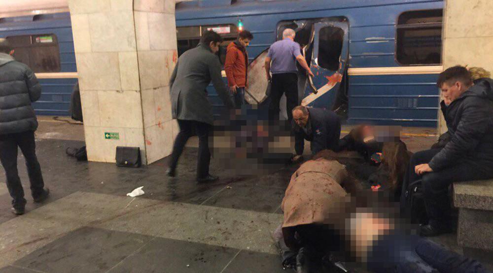 В питерском метро при взрыве погибли люди
