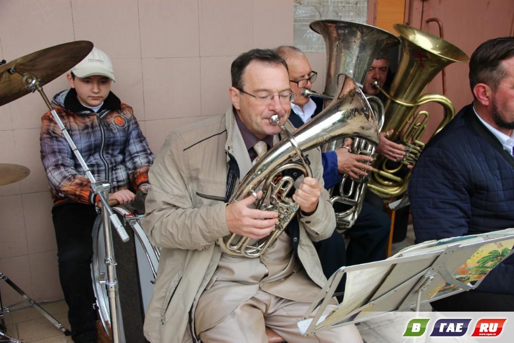 Сюрприз музыкантов посетителям сайта