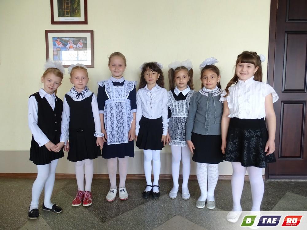«Последний звонок» в школе № 3. Фотоотчёт