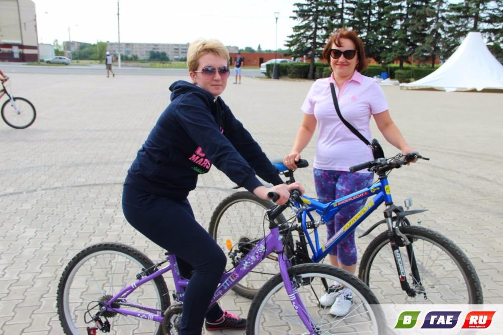 Велосипедисты открыли праздник - День металлурга