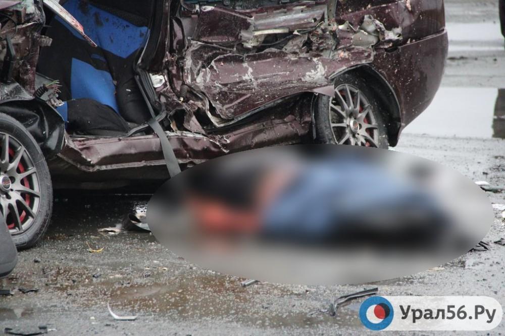 Возле поворота на Гай в аварии погибли два человека