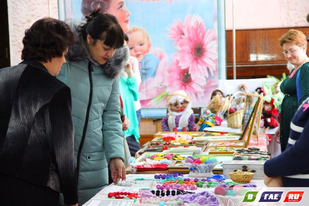 Торжественное мероприятие, посвященное Дню матери. Фото. Видео