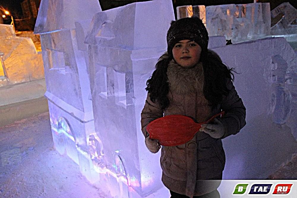 Сегодня утром ледовый городок в 8 мкр распахнул двери