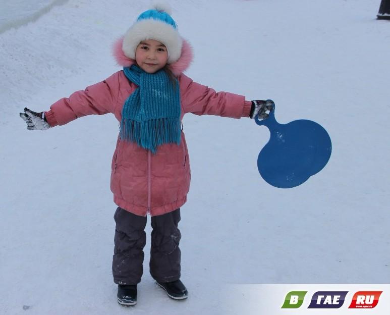 Детские забавы в «Ледовом городке» и на площади