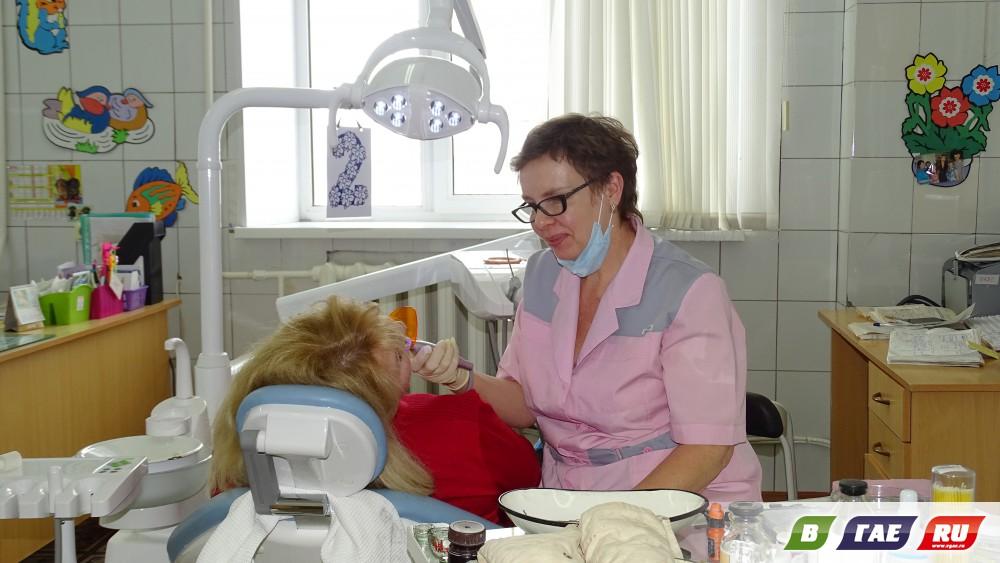 Стоматологи отмечают профессиональный праздник