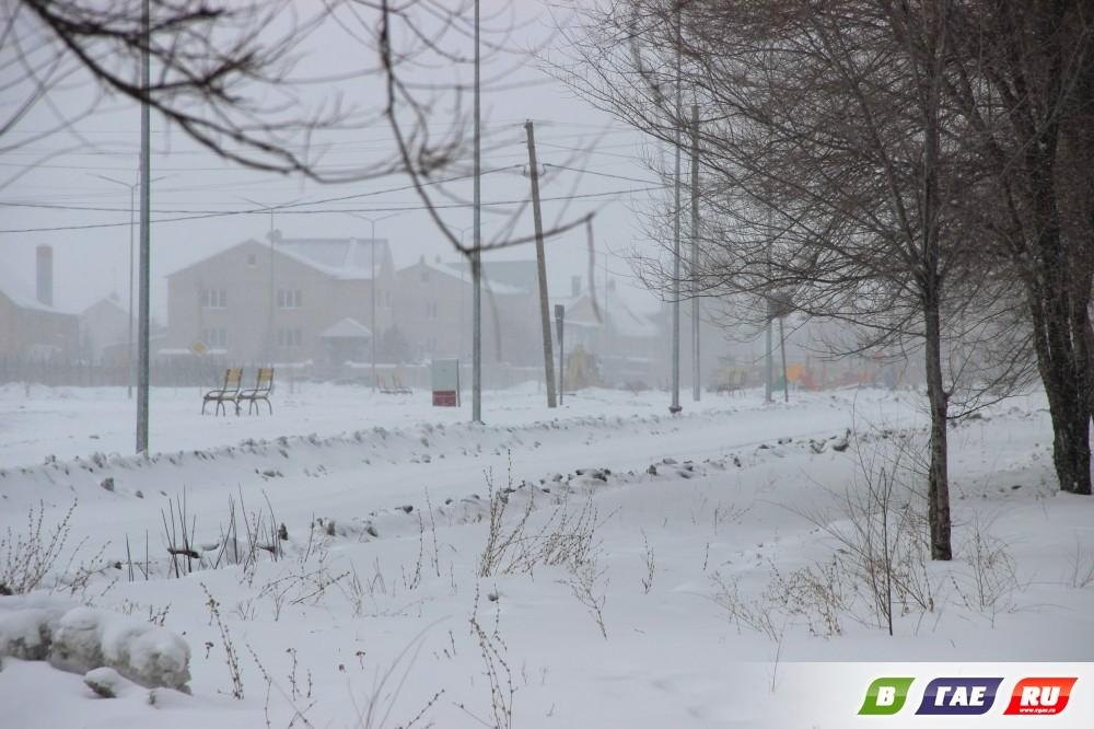 За три дня до весны в Гае выпал  снег