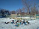 Свалка переместилась к забору детского сада №20