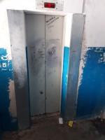 Лифт на Декабристов,1 постоянно ломается