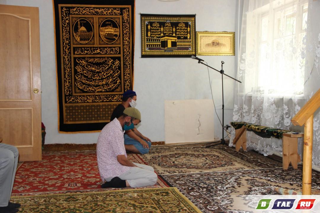 Мусульмане отмечают Курбан - байрам